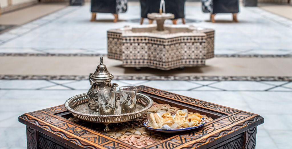 You will be welcomed with refreshing mint tea and Moroccan pastries