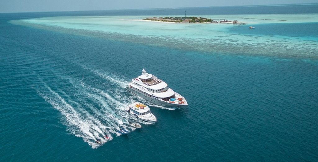Explore the reef on a boat trip, or dive beneath the waves
