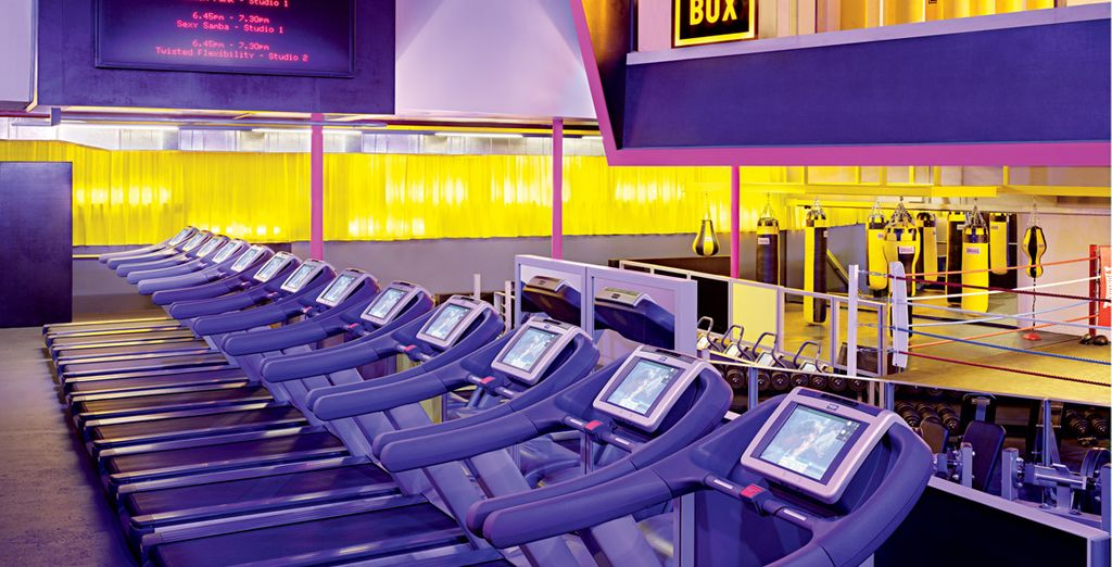 Or wind down from sightseeing with a workout at the hotel's trendy partner fitness centre, Gymbox (you have complimentary access!)