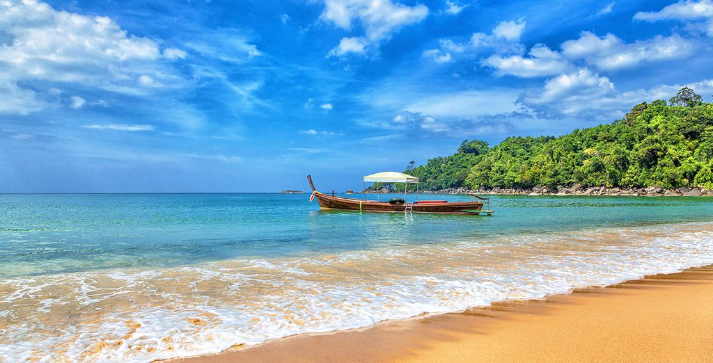 Take advantage of the prime location and discover the splendid region of Khao Lak