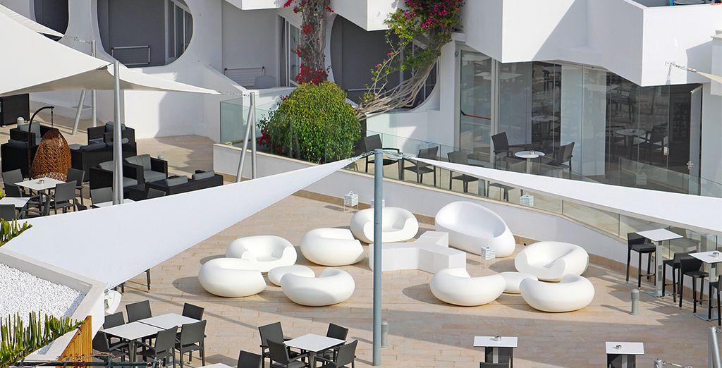 Enjoy an aperitif on the terrace