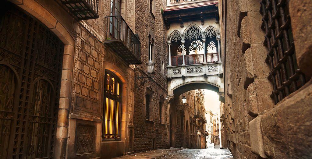 Wander around the Gothic Quarter...