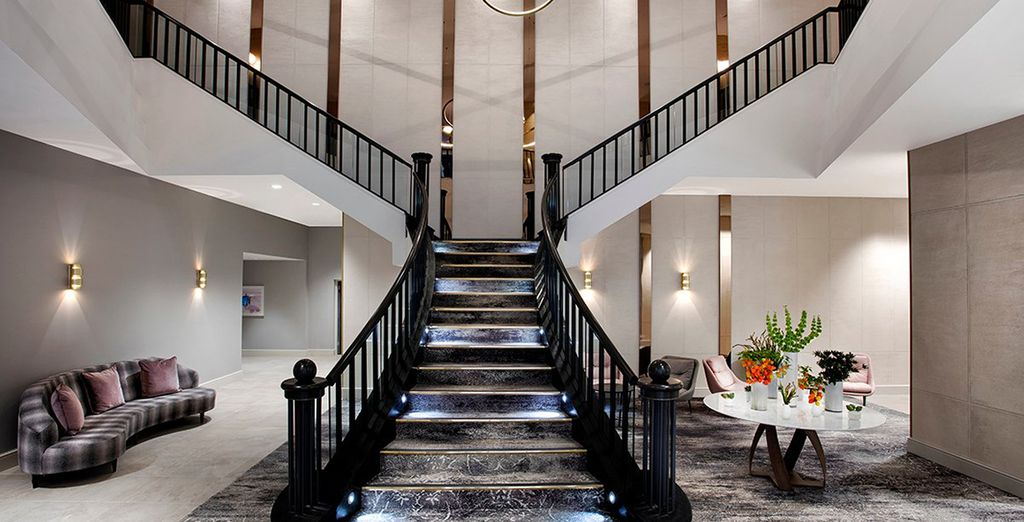 Welcome to the centrally located Hilton Carlton Edinburgh 4