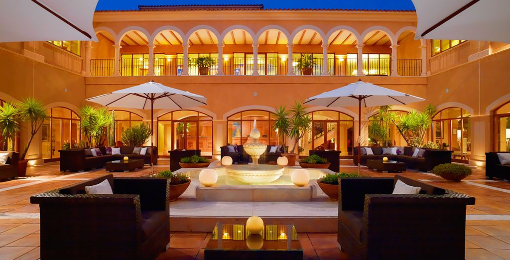 Discover a 5* hotel with effortless style
