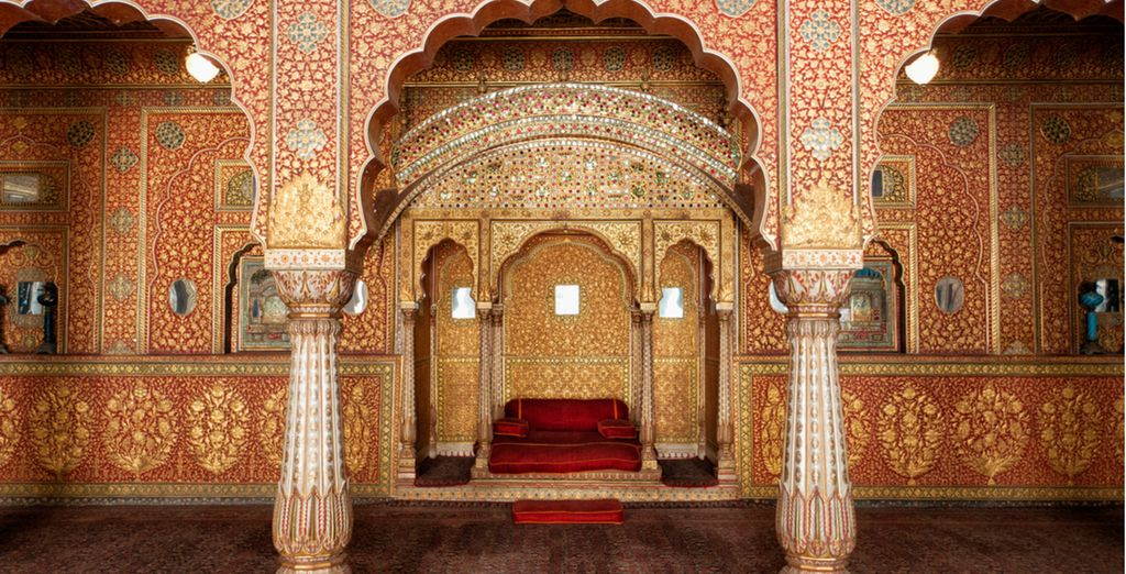 See the finest of Rajput monuments at Junagarh Fort in Bikaner