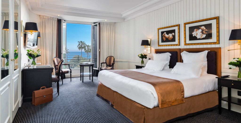 You will be staying in a Prestige Sea View Room