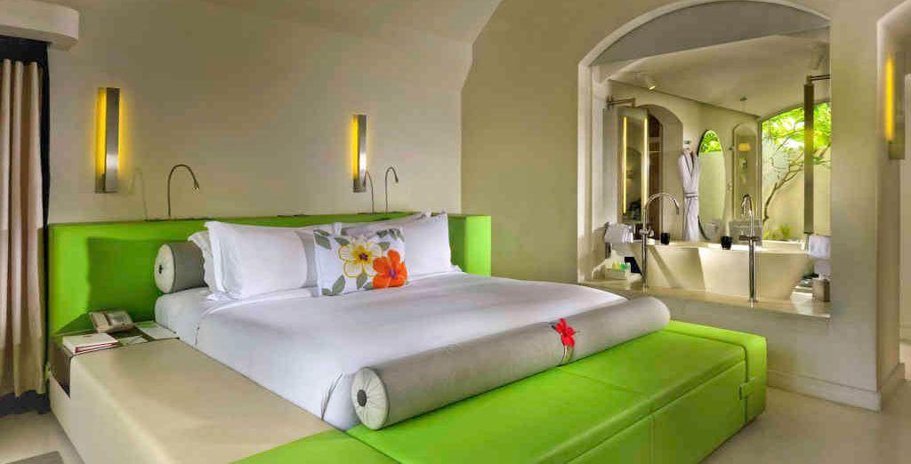 Enjoy a Lushury Room