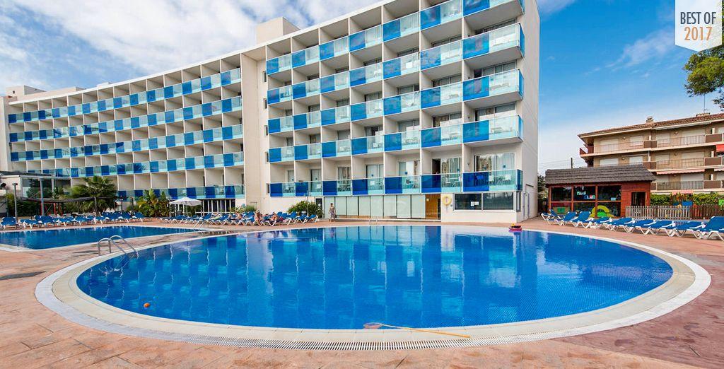 Welcome to Nuba Hotel Comarruga