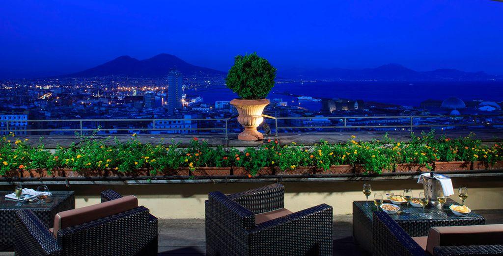 Or a romantic aperitif in front of Mount Vesuvius