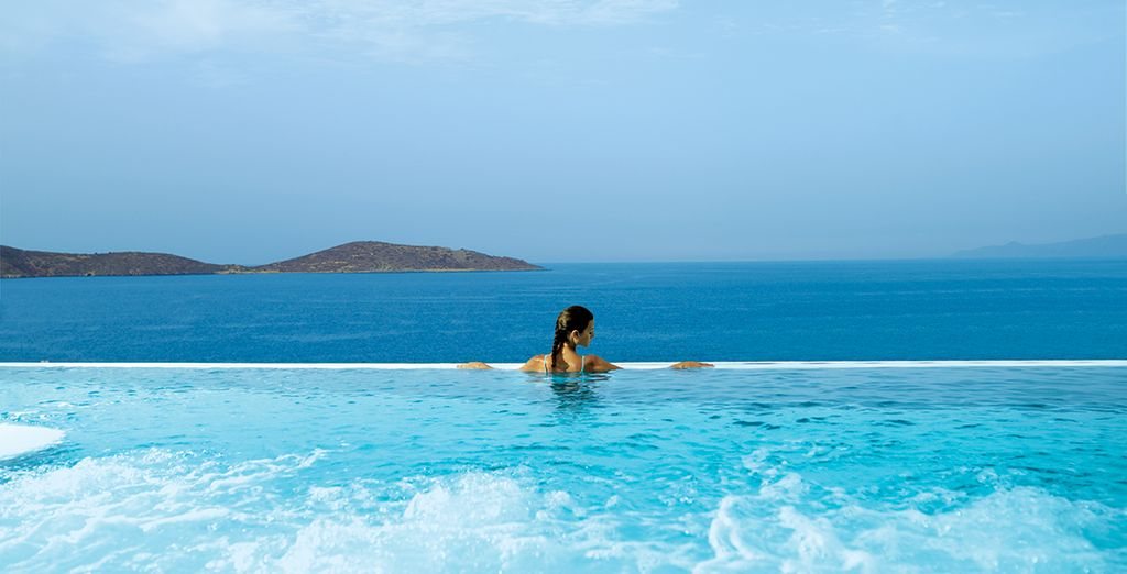 Or in the infinity thalassotherapy pool