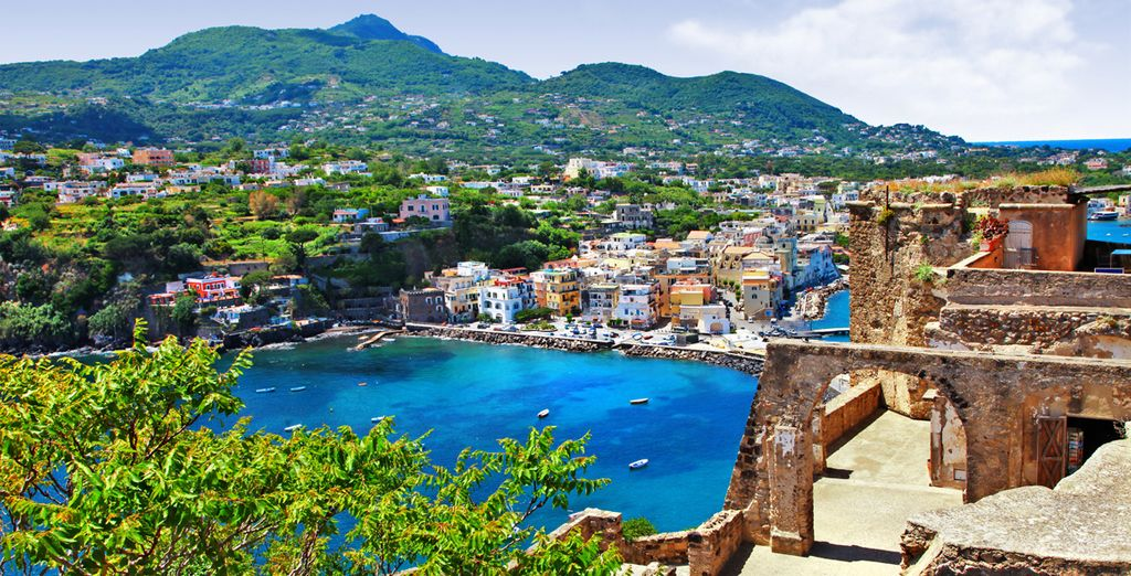 Yet with some of Europe's finest art and food, you may just want to stay in Naples!