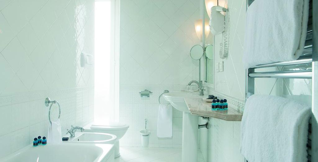 With a bright and modern bathroom