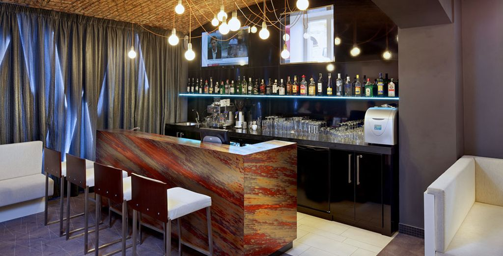 Head to the bar after sightseeing, where you can enjoy non-stop happy hour