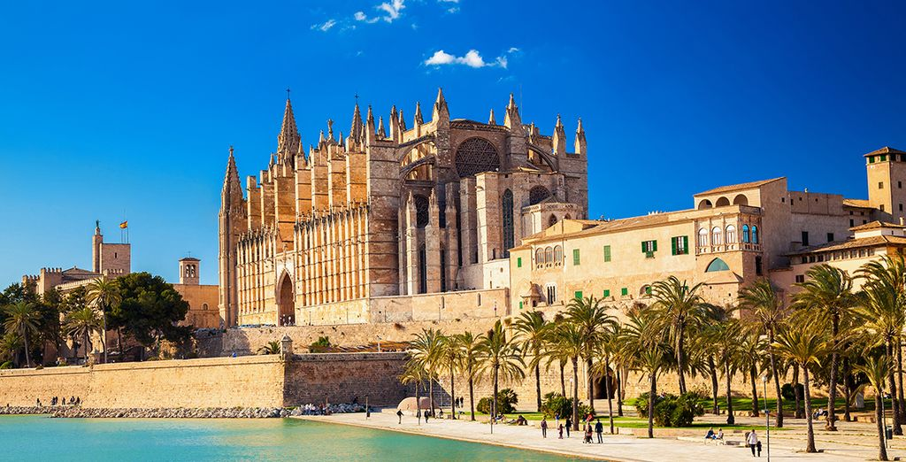 The impressive cathedral of Seu in Palma