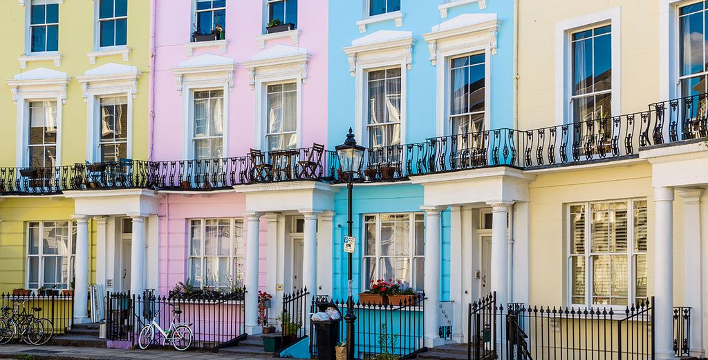 Explore the famous Nothing Hill district and its colourful facades