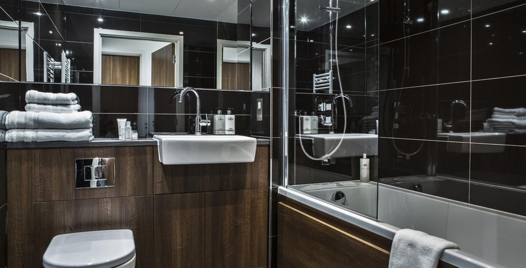 Complete with a modernly designed ensuite bathroom