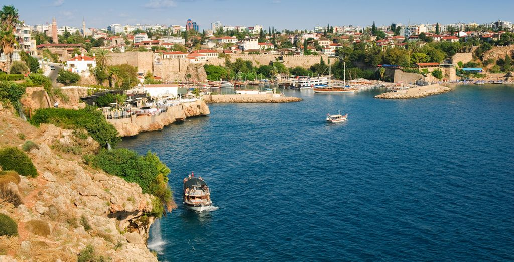 Visit the old harbour of Antalya