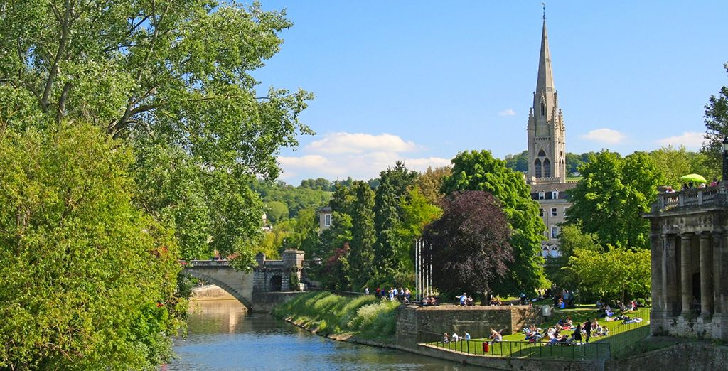 You are just a 1/2 hour drive away is the wonderfully beautiful city of Salisbury
