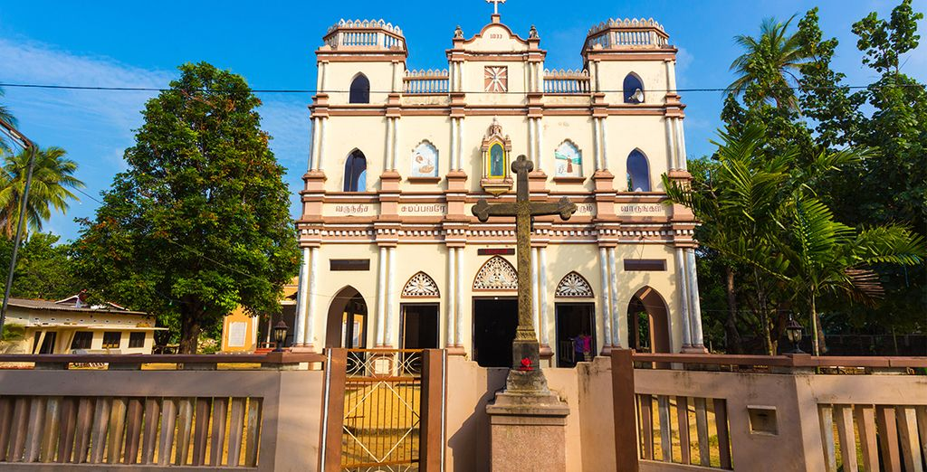 Explore the island's history and colonial relics