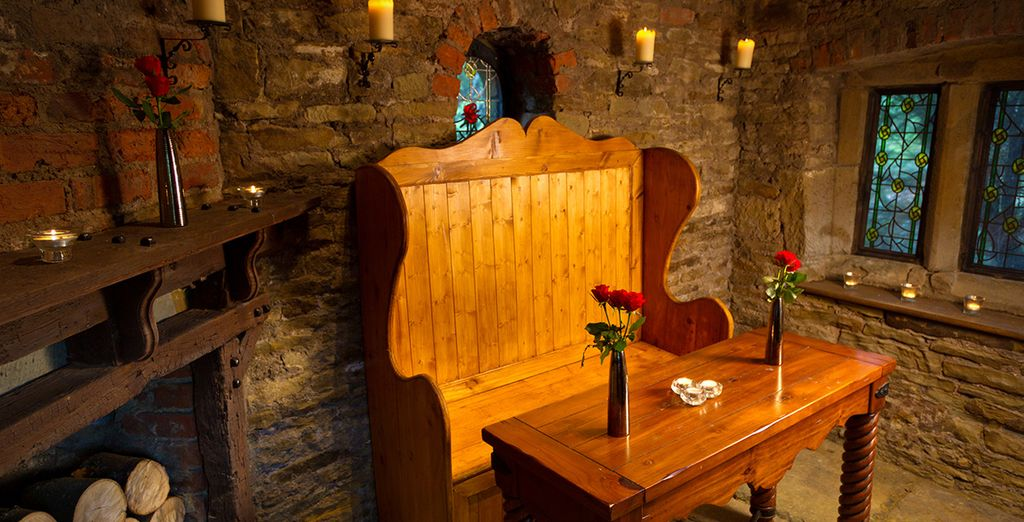 Followed by a drink in the cosy and inviting bar