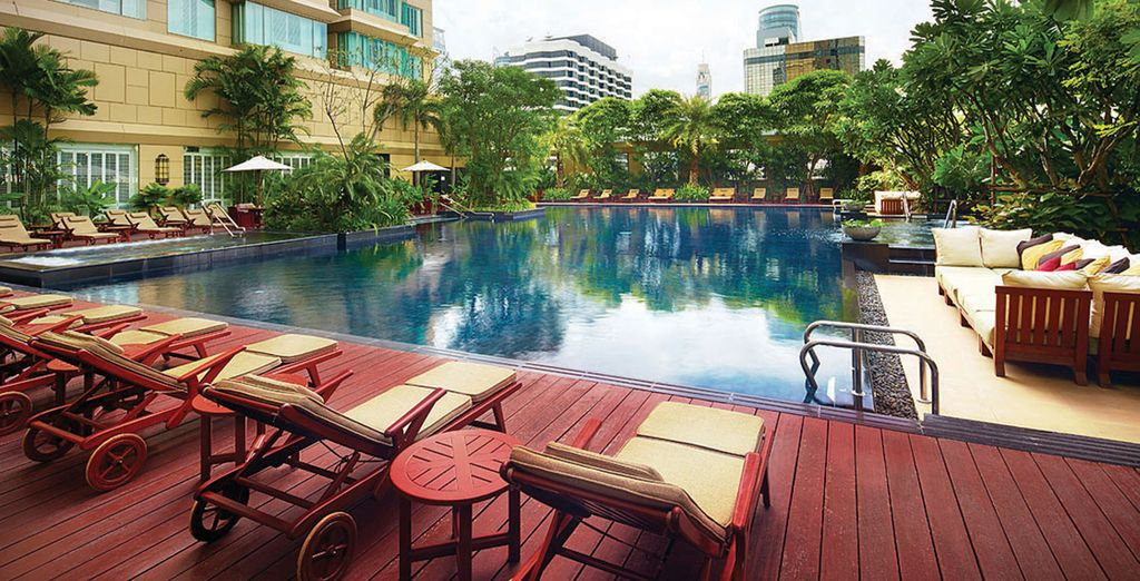 Start by staying in the Grande Centre Point Ratchadamri