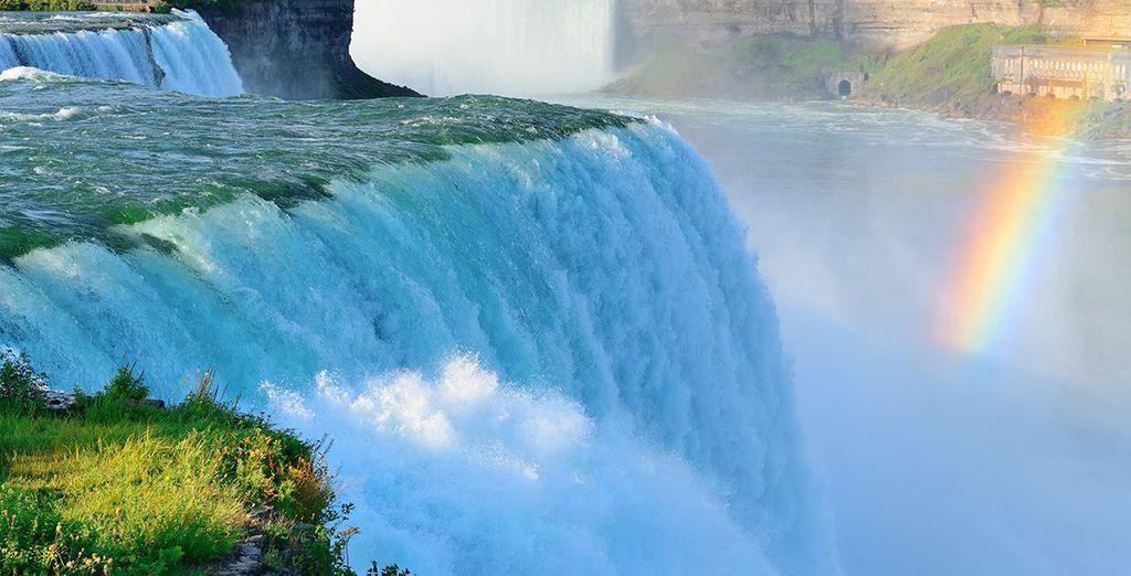 And the natural phenomenon - the Niagara Falls - Toronto & Niagara-on-the-Lake 4* Toronto & Niagara on the Lake