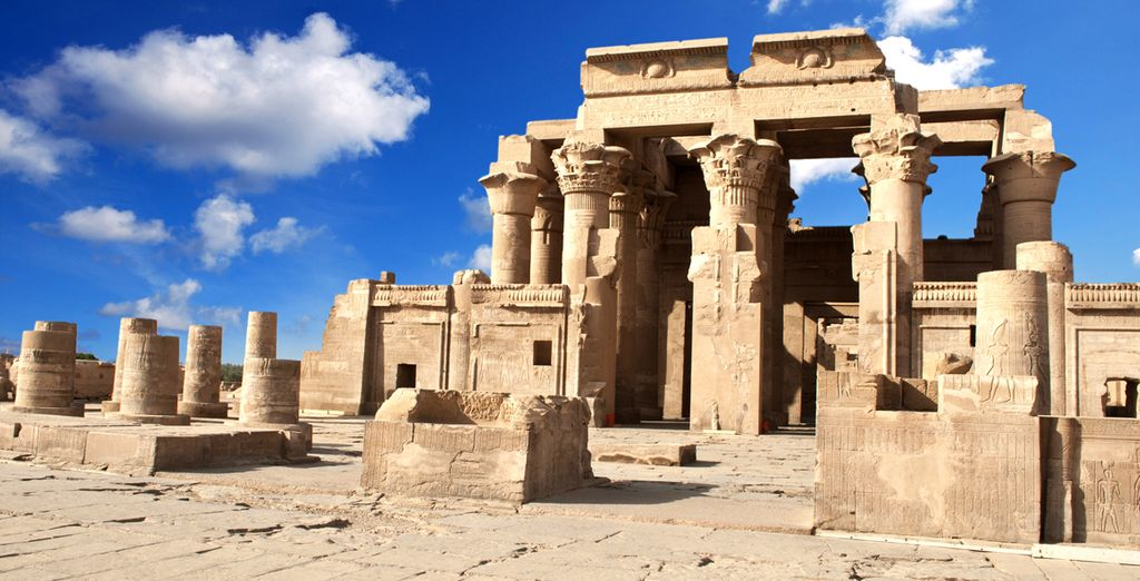 Visit ancient monuments - Alexander the Great Nile Cruise Nile River