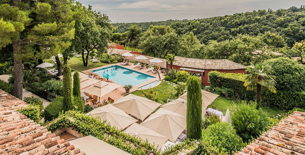 Take a break at the delightful Hotel & Spa Cantemerle