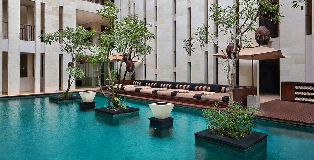 Stay at Anantara Seminyak Bali Resort 5*