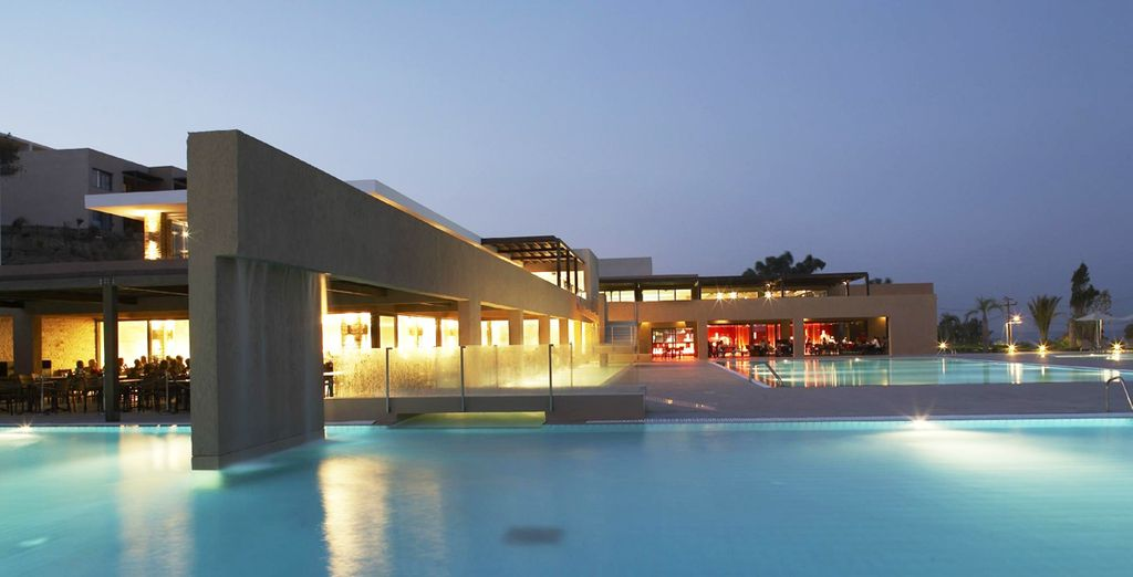 Sharp design and endless luxury awaits - Carda Beach Hotel 5* Kos