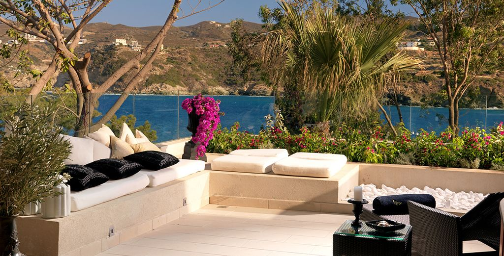 Your spacious terrace has captivating views over the Aegean