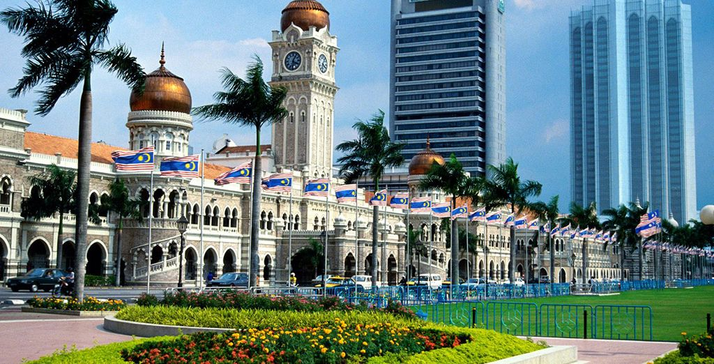 Discover the beauty and the history of the city of Kuala Lumpur