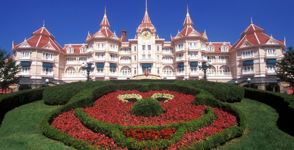 - Disneyland Hotel***** - Disneyland® Paris - France Disneyland® Paris