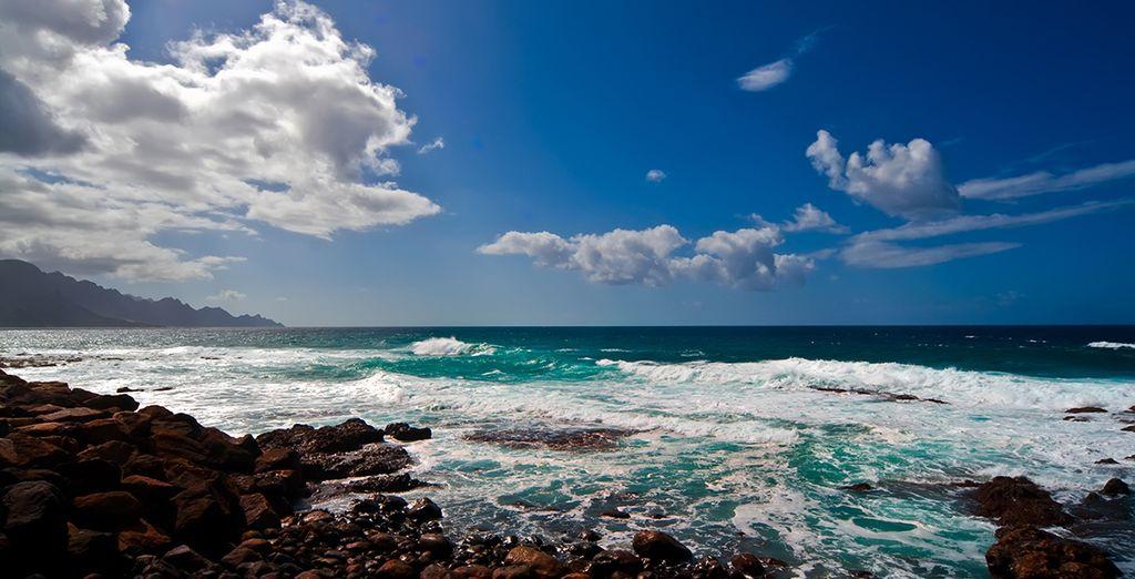 To the unique volcanic  beaches of Gran Canaria