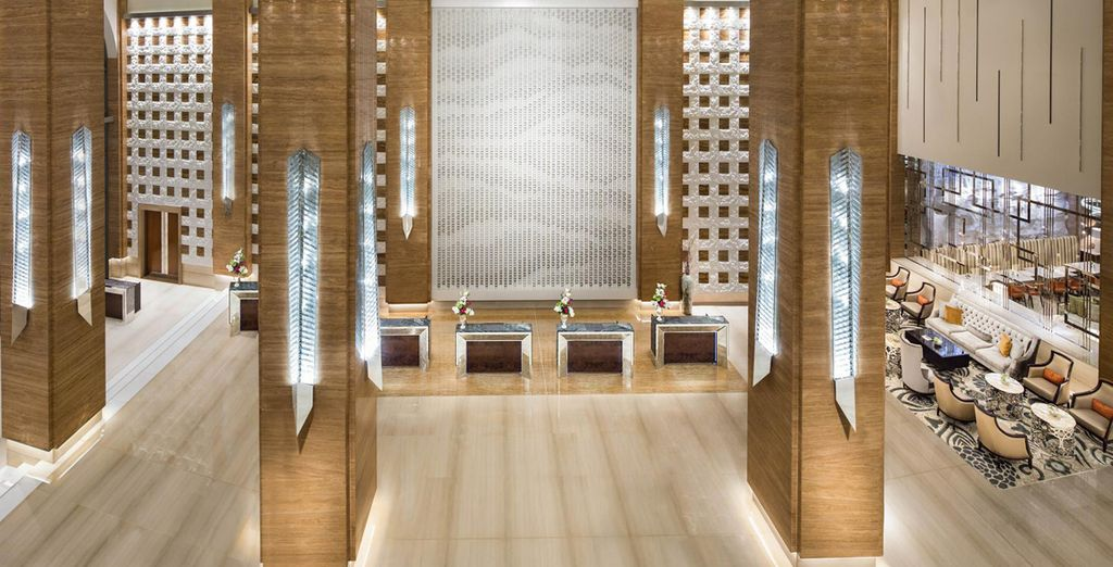 Enter a hotel which is grand in both scale and design - Kempinski Hotel Mall of the Emirates 5* Dubai