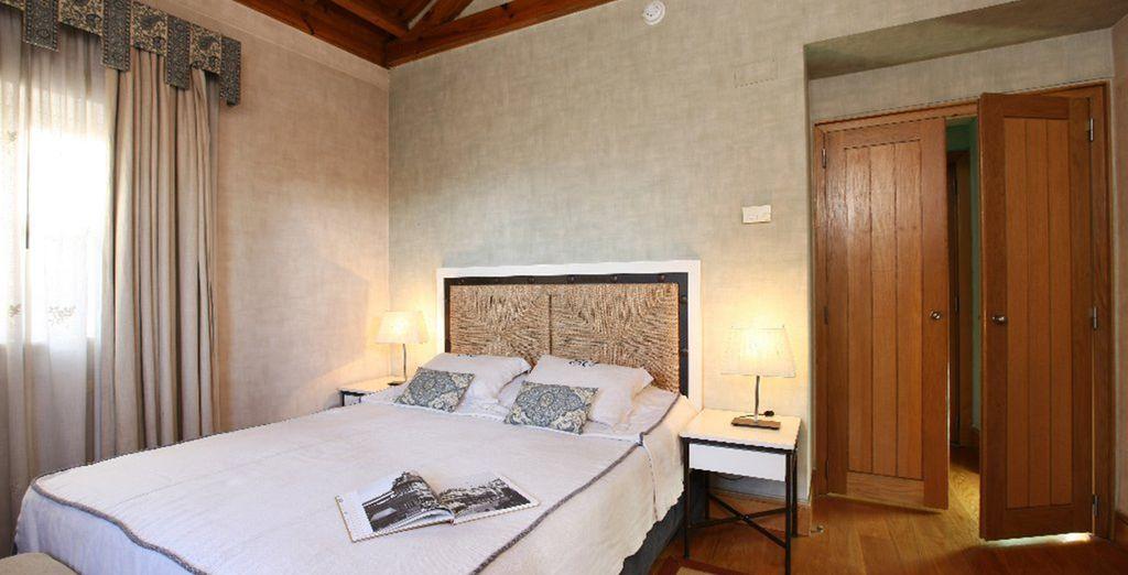 a spacious Castelo Room
