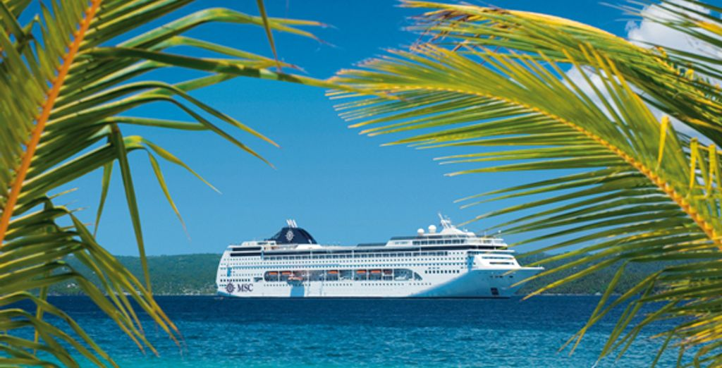- MSC Lirica & Grand Pineapple Beach**** Antigua