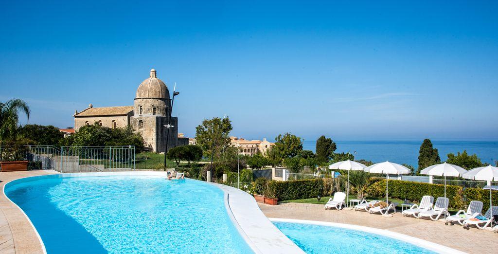COOEE Michelizia Tropea Resort 4*