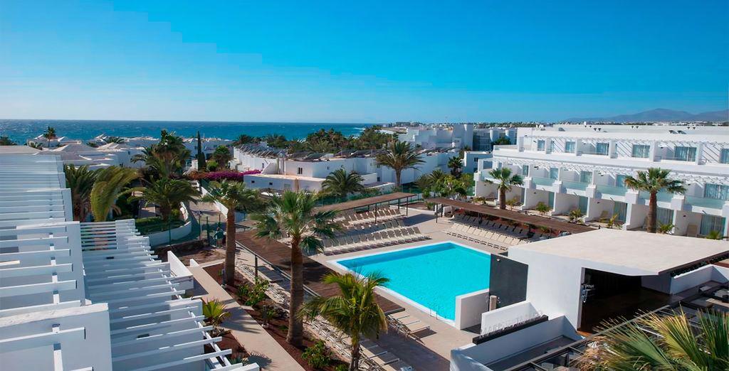 Hotel Aequora Lanzarote Suites 4*
