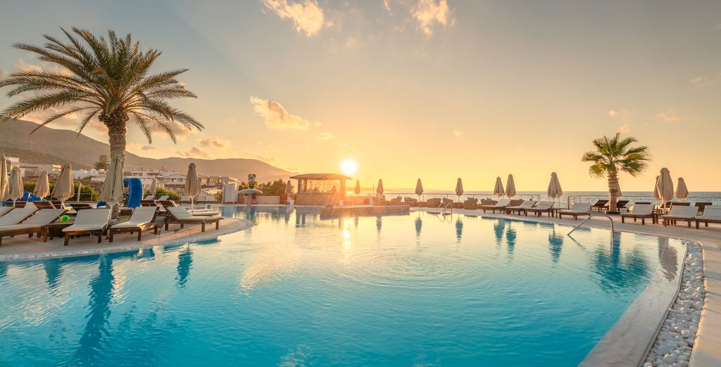 Ikaro Beach Resort & Spa 5*