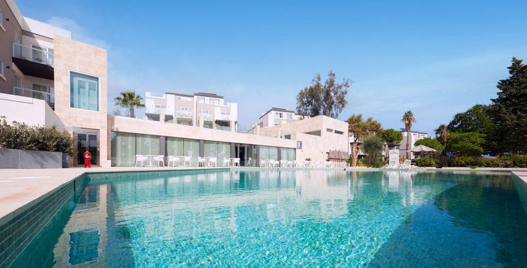 Hotel Urban Valley Resort 4*