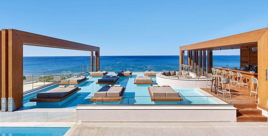 Enorme Santanna Beach Hotel 4*