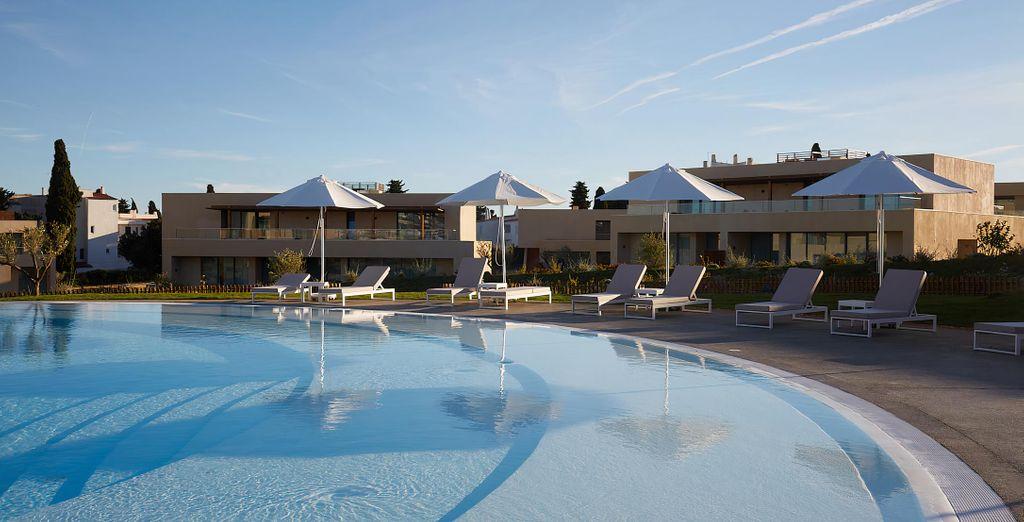 White Shell Beach Villas 4*