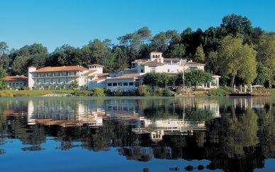 Chateau De Brindos 5*