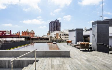 Midtown Apartments 4*