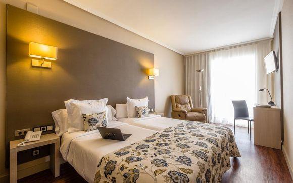 Hotel Regente Aragón 4*