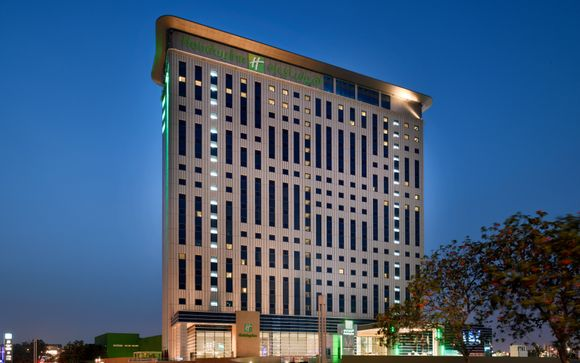 Holiday Inn Festival City 4*