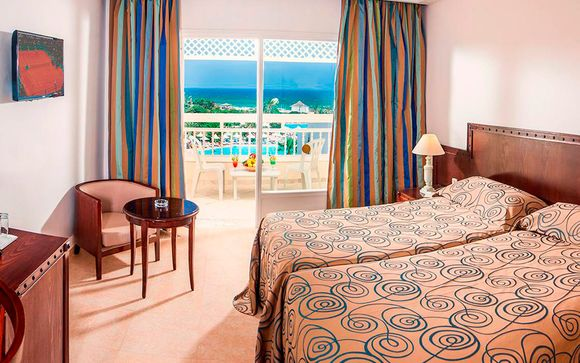 Hotel Vincci Marillia 4*