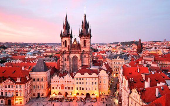 Tour panorámico a pie de la ciudad de Praga (duración aproximada de 2 horas)