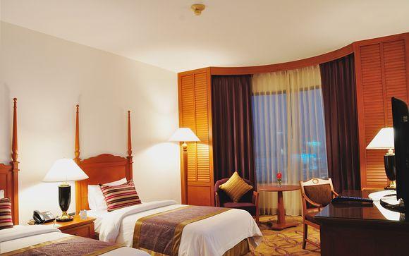 Century Park Hotel 4*